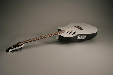 Ovation Idea gitarr