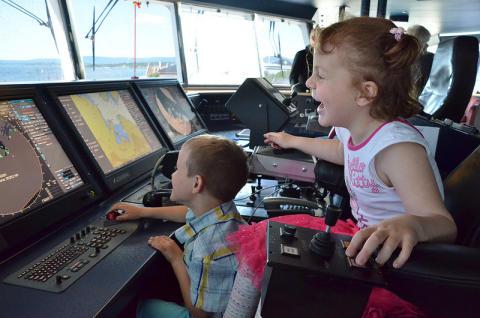 Barna boltret seg på Barnas Båt