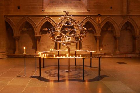 Ljusbäraren fyller 50 år och förra året tändes över 100 000 ljus i Linköpings kyrkor.