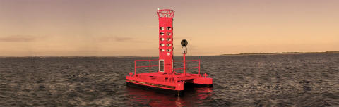 High res image - Rock Seven - Calshot Buoy