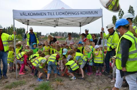 Nu börjar vi bygga Sjölunda skola!