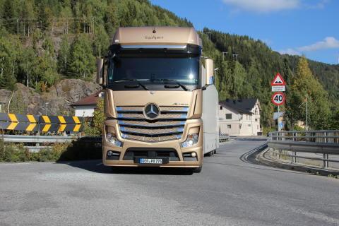 Mercedes-Benz lastebiler godkjent for HVO- biodiesel
