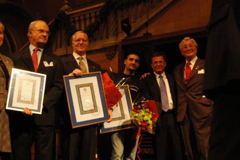 Lugna Gatan-medarbetare i Göteborg tilldelades pris av HMK  Carl XVI Gustav