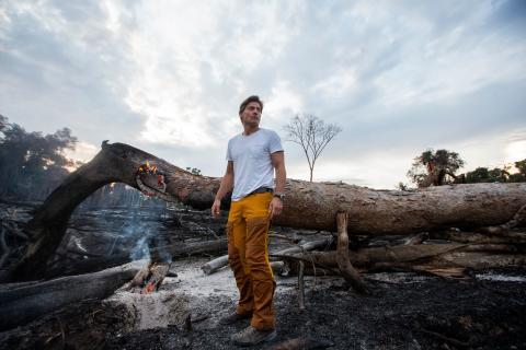 Game of Thrones-stjärnan Nikolaj Coster-Waldau reser till Amazonas med UNDP för att upptäcka den verkliga historien bakom bränderna