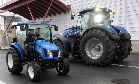 Så är det att köra en av mässans största traktorer