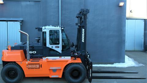 CRAMO Göteborg Utby först i Sverige med att få leverans av DOOSANs DF 160 S-7 truck från GTS!