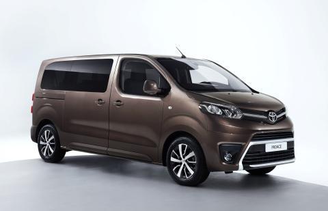 Nya Toyota PROACE VERSO