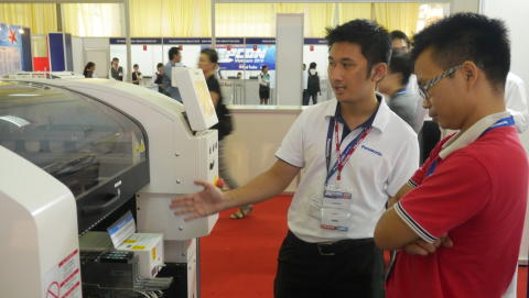 Panasonicf factory solutions technical experts responding to customers' requests.