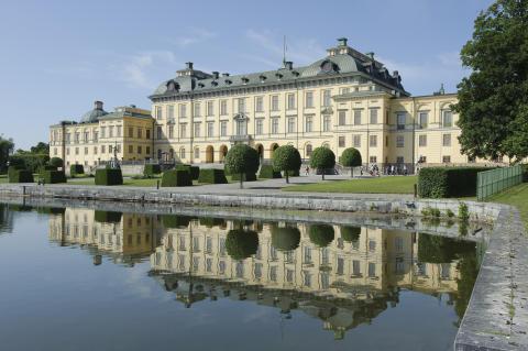Besök det kungliga Drottningholm!