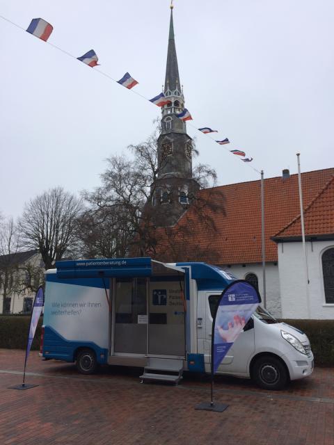 Beratungsmobil der Unabhängigen Patientenberatung kommt am 9. Mai nach Heide.