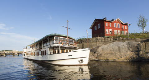 Hotel ship Prince van Orangiën