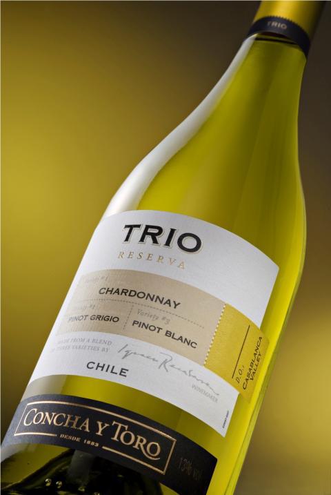 TRIO Chardonnay Pinot Grigio Pinot Blanc lanseras i Systembolagets fasta sortiment 1 oktober 2010