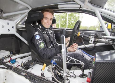 Volkswagen Dealer Team KMS siktar mot toppen på hemmaplan
