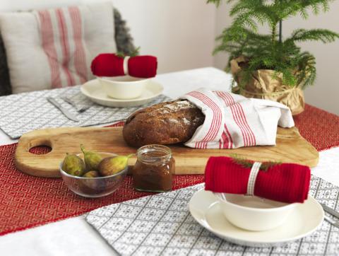 3) Runner Hjo, Kitchen towel Dorotea, Place mat Ludvika