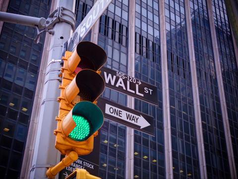 Telia Companys dotterbolag Fältcom kopplar upp trafikljusen i New York City