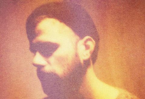 Nick Mulvey bringer groovende og hypnotisk singer/songwriting til Ideal Bar