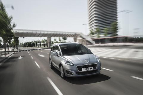 Nya generationen Peugeot 5008_front