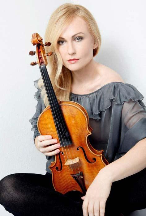 Anna Serova, viola