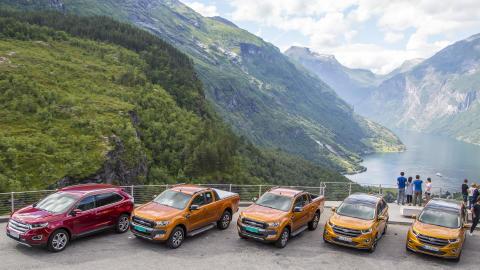 Med nye Ford Edge og Ford Ranger i Geiranger under den internasjonale presselanseringen av disse modellene