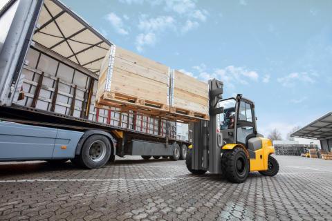 Ny serie hydrodynamiska dieseltruckar från Jungheinrich: Funktionella, robusta och pålitliga
