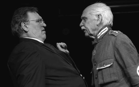 Teaterverket växer: politisk fars gästspelar på Kompani1