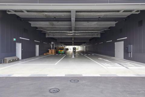 03_2017_Hamamatsu IM Base-Passage for car