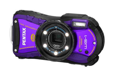 Pentax Optio WG-1 liila LED valoilla