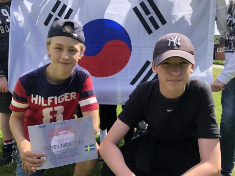 Casper Vidar och Isac Davidsson från Östlyckeskolan.