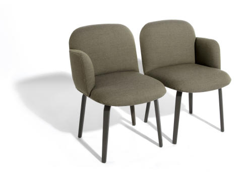 Curves to fall in love with: our chairs Bolbo and Fin