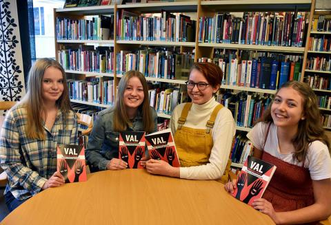 Boksläpp efter skrivartävling på Sundsta-Älvkullegymnasiet