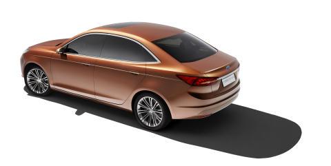 Ford Escort Concept vises for første gang på den store bilutstilingen i Shanghai.