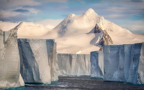 Josselin Cornou, Tabular iceberg