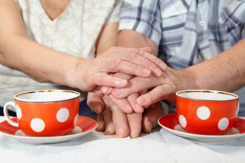 Are elderly people with deafblindness happy?