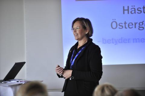 Monika Gideskog talar på Östgötamässan Häst