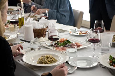 Fettuccine vitello - Strimlad kalv i gräddig tryffelsås, permesan, tryffelolja