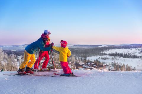 Branäs - Børn på toppen af pisten Foto Branäs