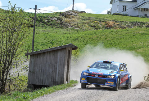 Efter halva tävlingen hade Johan Kristoffersson fått upp farten ordentligt i Rally Sörland. Foto: Oliver Alfredsen.