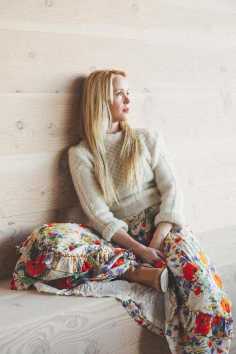 Specialkomponerade musik till Mikael Persbrandt - nu släpper Tina Dickow nytt album 28 september