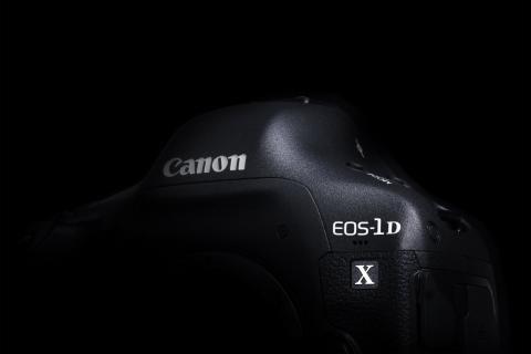 52_EOS-1D X_design003