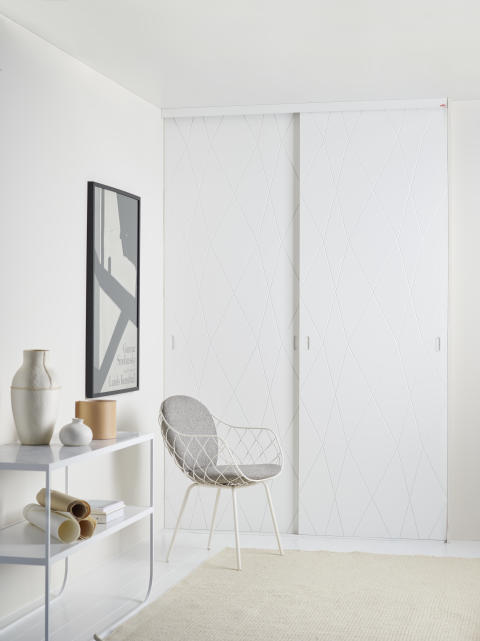 Elfa_sliding_doors_Linear_Gravity