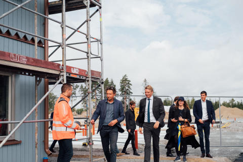Bostadsminister Per Bolund invigde Veidekkes nya bostadskoncept _huvudbild