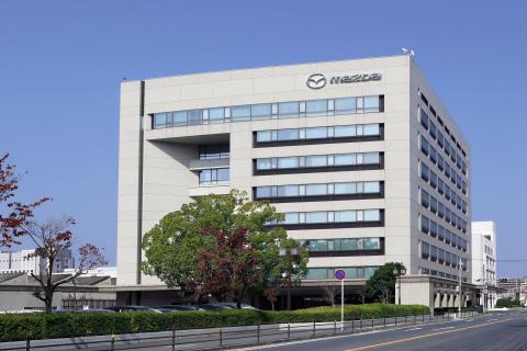 Mazda avslutar sitt finansiella år med nya rekord för både försäljning och resultat