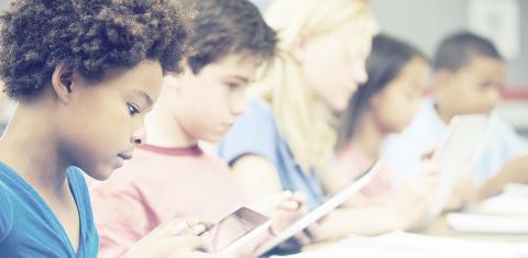 Debatt: Ställ miljökrav på digitala verktyg för våra barn