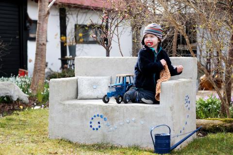 Stenskön soffa – gör det själv