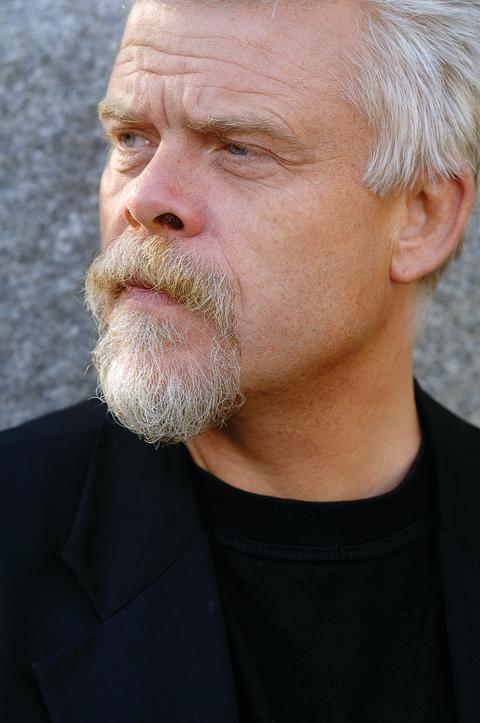 Författarfoto Mattias Gardell