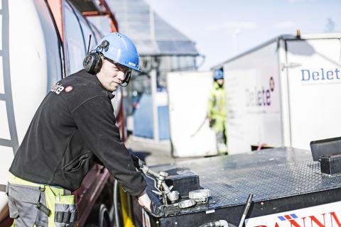 Delete förvärvar AB Sprängsotning - blir ledande aktör inom pannrengöring i Sverige.