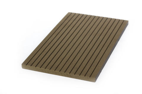 Scandinavian Plank erbjuder nu även täckbrädor som komplement till trätrallen