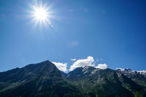 Sol, sol, sol -- blå himmel hver dag!