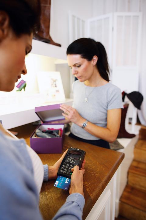 W okresie przedświątecznym kartami Visa opłacono wydatki o wartości ponad 9 mld złotych