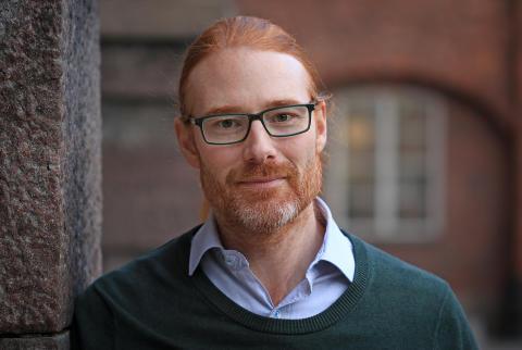 Christofer Lendel, forskare på avdelningen tillämpad fysikalisk kemi vid KTH. Foto: Peter Ardell.